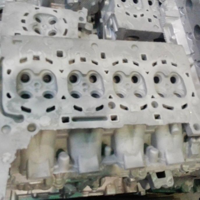 automobile-engine-aluminum-cylinder-head